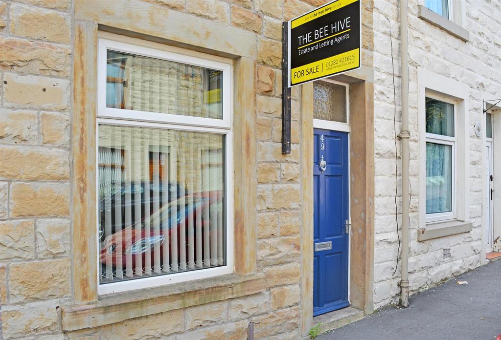 2 Bedrooms Terraced House for rent in Scott Street, Burnley