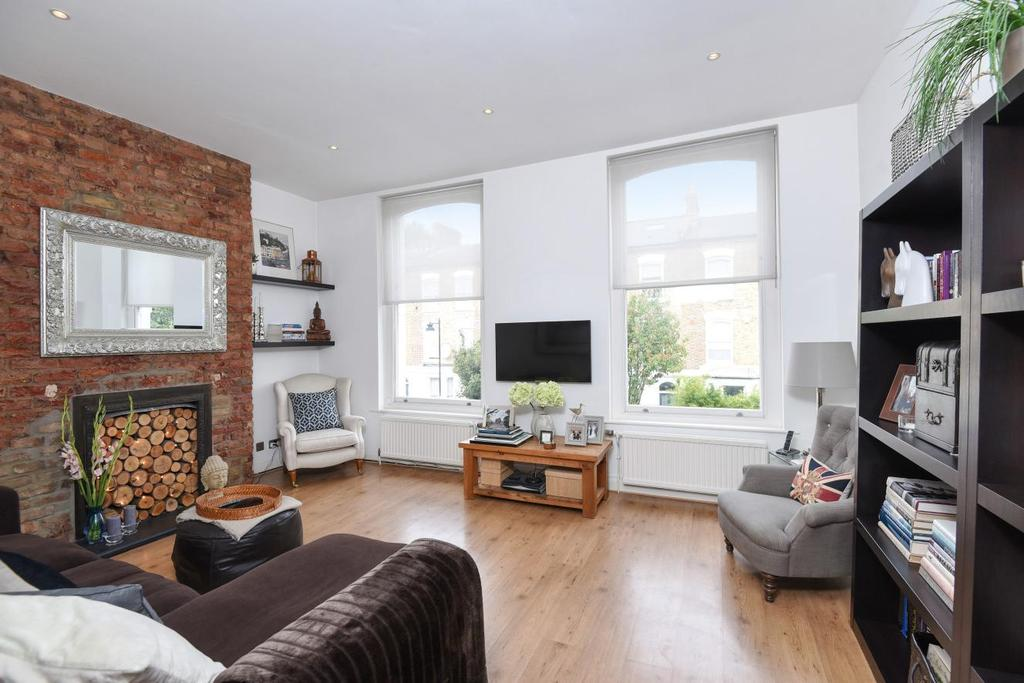 2 Bedrooms Flat for sale in Cheverton Road, Whitehall Park
