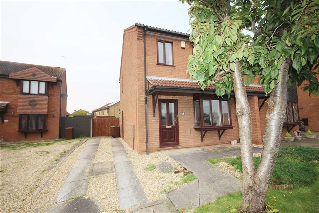 3 Bedrooms Semi Detached House for sale in Winthorpe Close, Lincoln, Lincolnshire