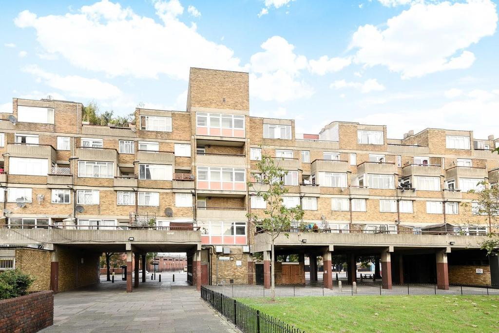 2 Bedrooms Flat for sale in Consort Road, Peckham Rye