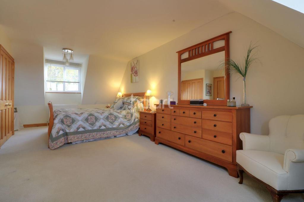 3 Bedrooms Detached House for sale in Fakenham Road, Tittleshall