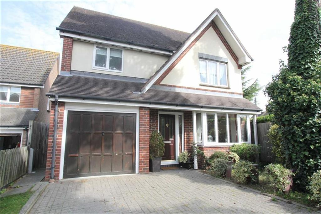 4 Bedrooms Detached House for sale in Tye Common Road, Billericay