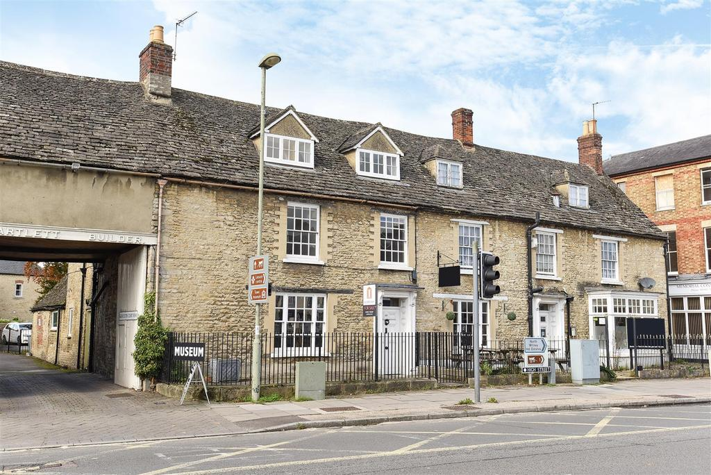 4 Bedrooms Terraced House for sale in High Street, Witney