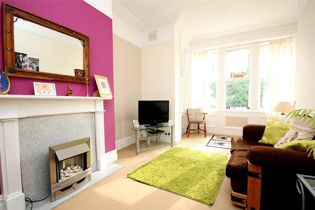 1 Bedroom Flat for sale in Westcliffe Lodge, 4 McKinley Road, Bournemouth, Dorset, BH4