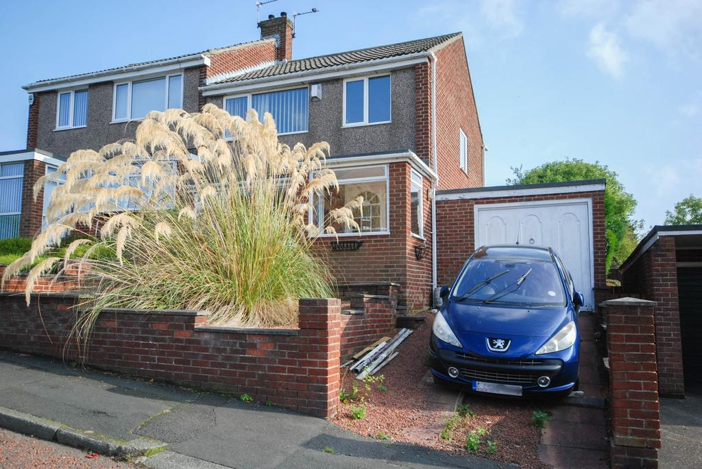 3 Bedrooms Semi Detached House for sale in The Hawthorns, Eighton Banks
