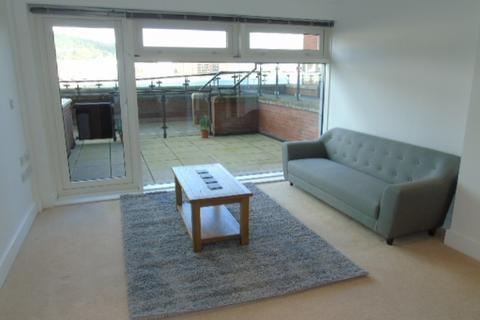 2 bedroom apartment to rent - 20 Altamar Kings Road Swansea