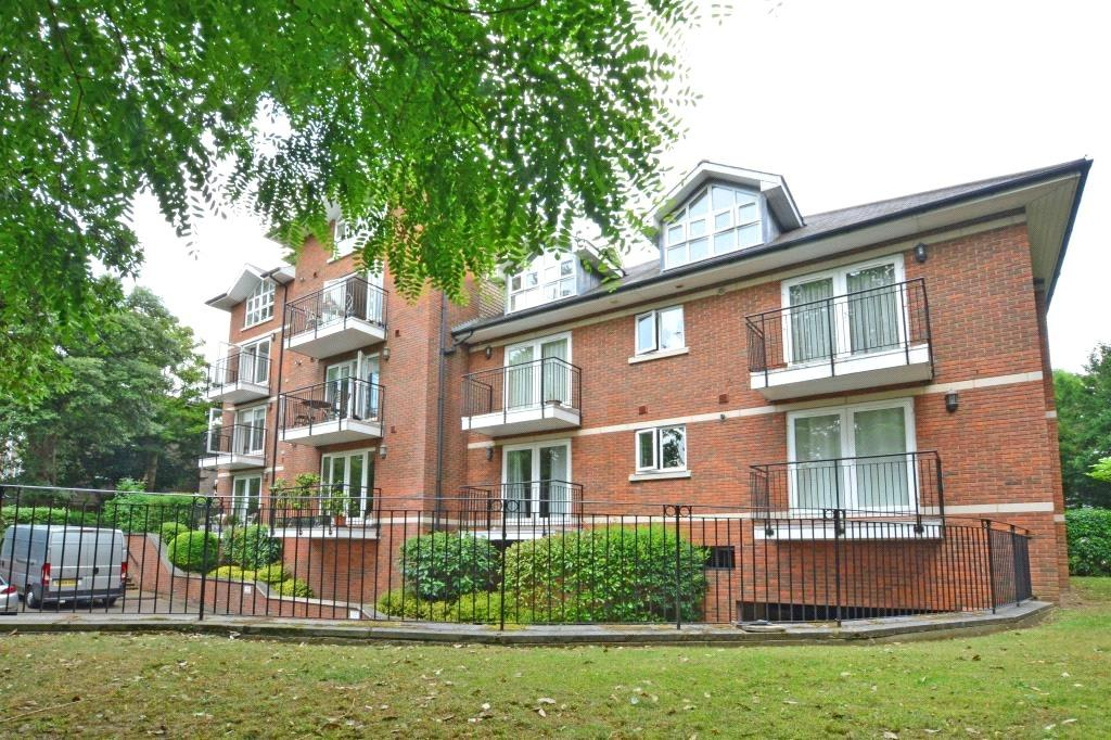 2 Bedrooms Flat for sale in Northlands, 165 Widmore Road, Bromley, BR1