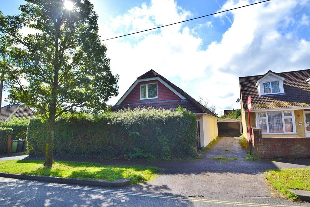 4 Bedrooms Bungalow for sale in Chandlers Ford