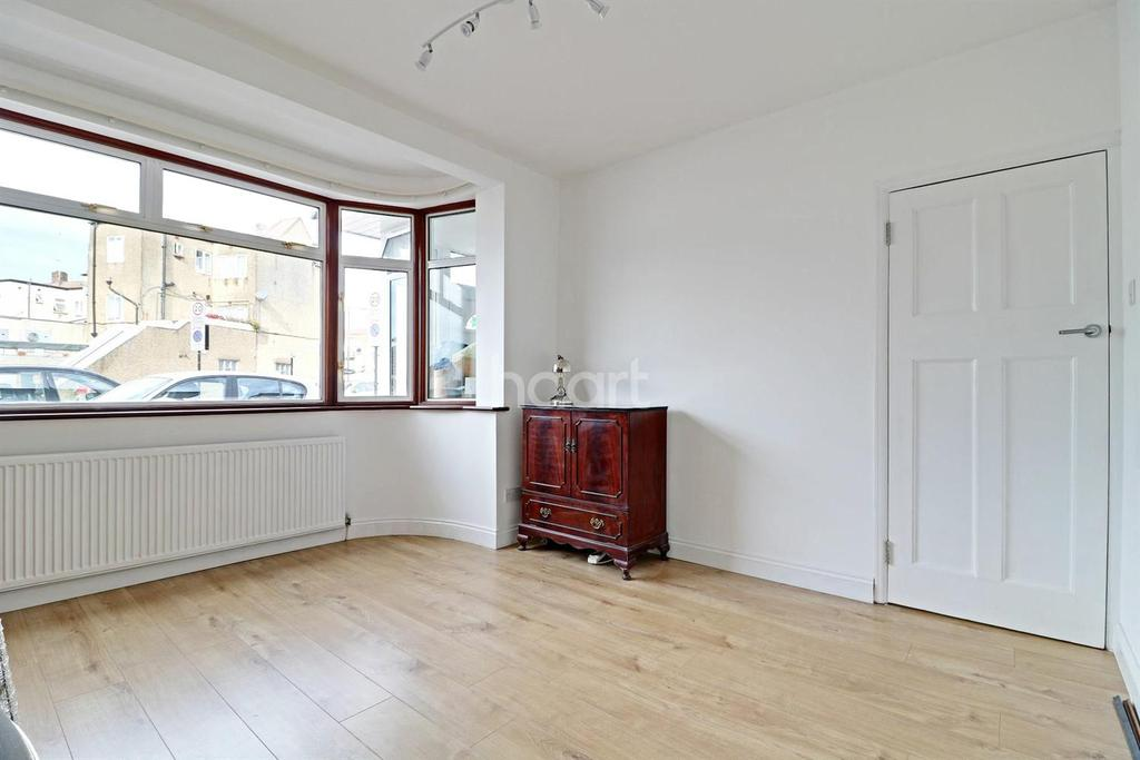 3 Bedrooms End Of Terrace House for sale in Lawrence Crescent, Edgware, HA8