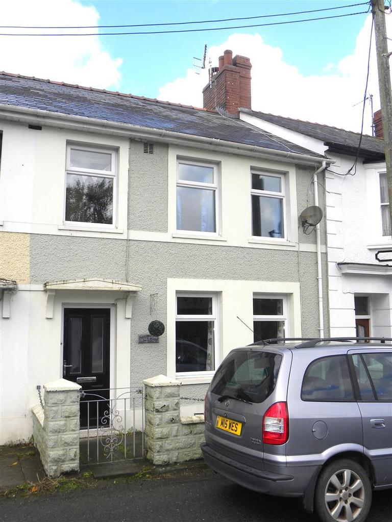 3 Bedrooms House for sale in Highmead Terrace, Llanybydder