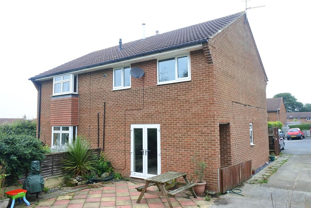 3 Bedrooms Semi Detached House for sale in Knotto Bottom Way, Northallerton