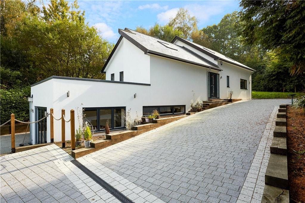 5 Bedrooms Detached House for sale in School Lane, St Johns, Crowborough, East Sussex, TN6