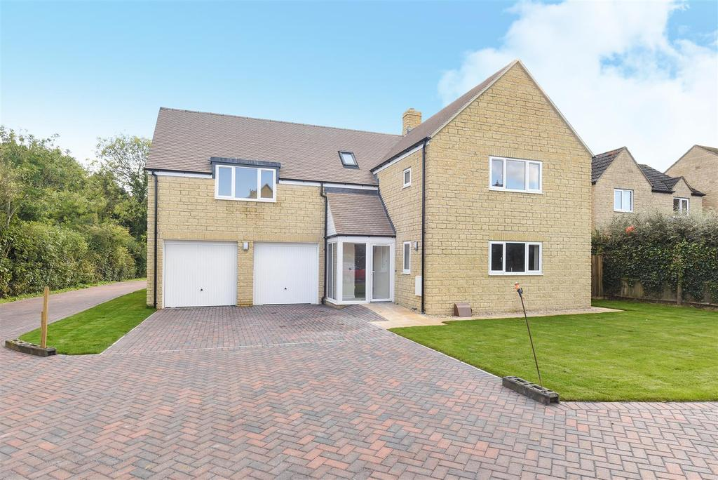 4 Bedrooms Detached House for sale in Park Road, North Leigh