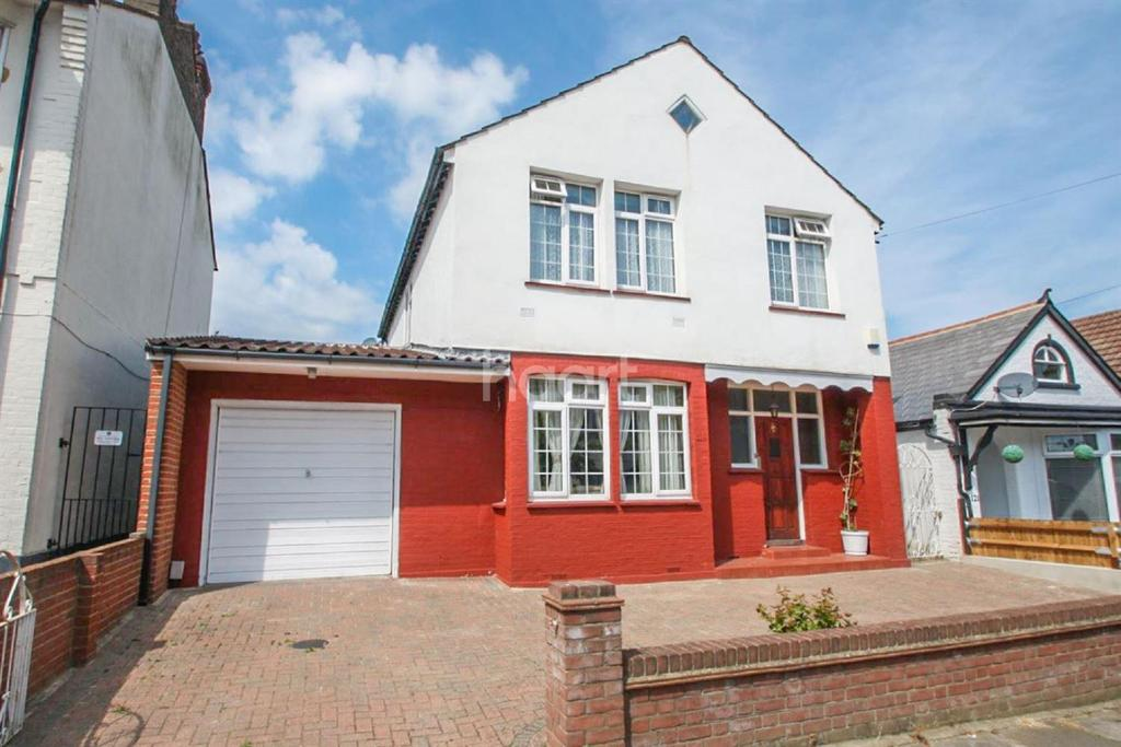 5 Bedrooms Detached House for sale in Fairmead Avenue