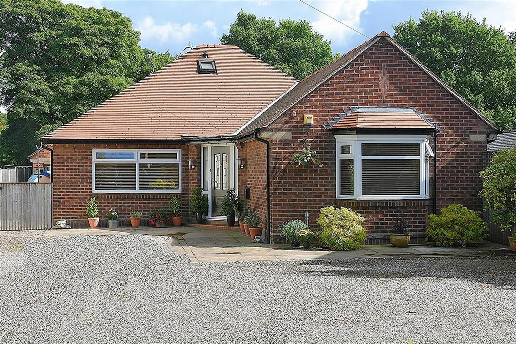 4 Bedrooms Detached Bungalow for sale in London Road, Davenham