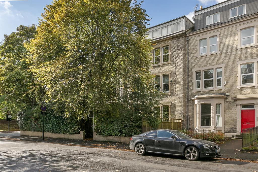 2 Bedrooms Flat for sale in Granville Road, Jesmond, Newcastle upon Tyne