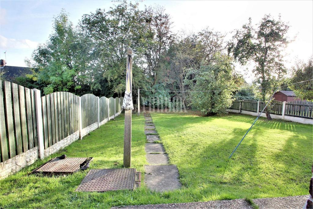 3 Bedrooms Semi Detached House for sale in Greenwood Road, High Green