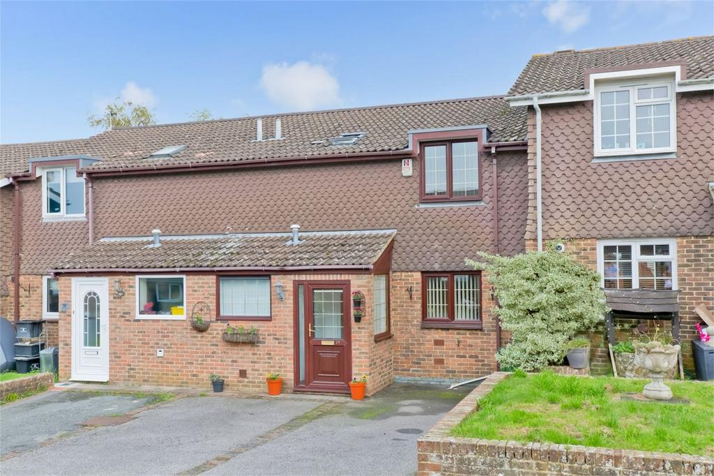 3 Bedrooms Terraced House for sale in Harvard Close, Lewes, East Sussex