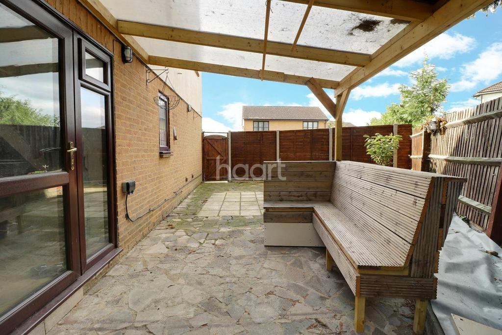 2 Bedrooms End Of Terrace House for sale in Joyners Close
