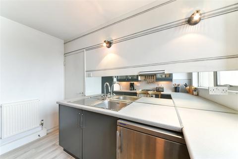 1 bedroom flat to rent - River Court, Upper Ground, London, SE1