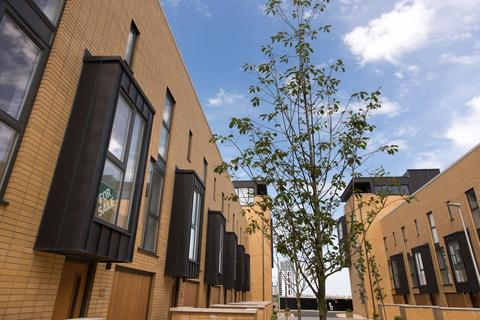 4 bedroom mews for sale - Francis Street, Cardiff Pointe, Cardiff, CF11