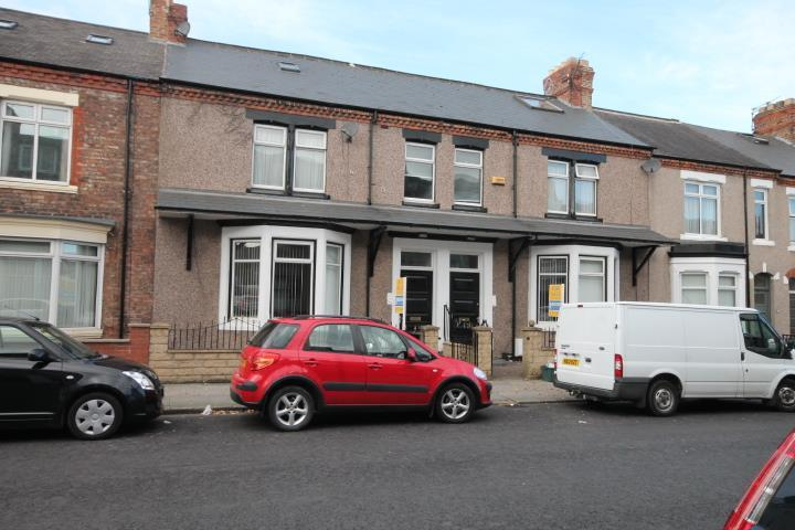 6 Bedrooms Terraced House for sale in Greenbank Road, Darlington