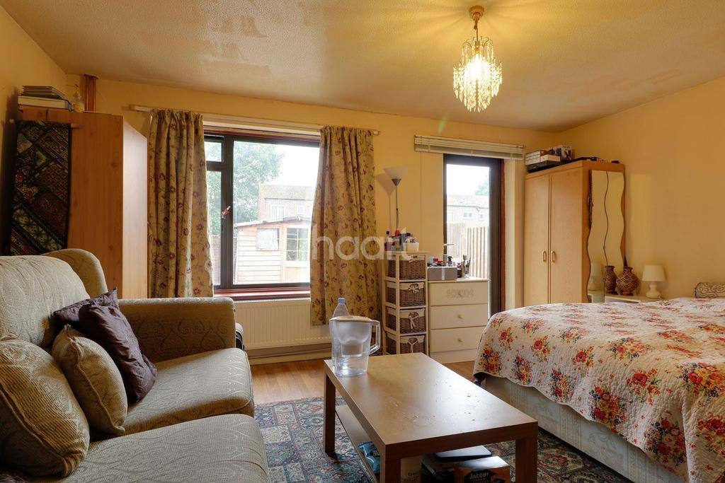 3 Bedrooms Terraced House for sale in Algar Close, Stanmore, HA7
