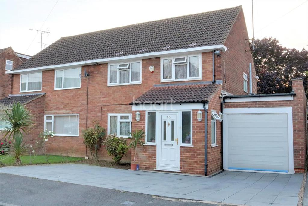 4 Bedrooms Semi Detached House for sale in Barton Road