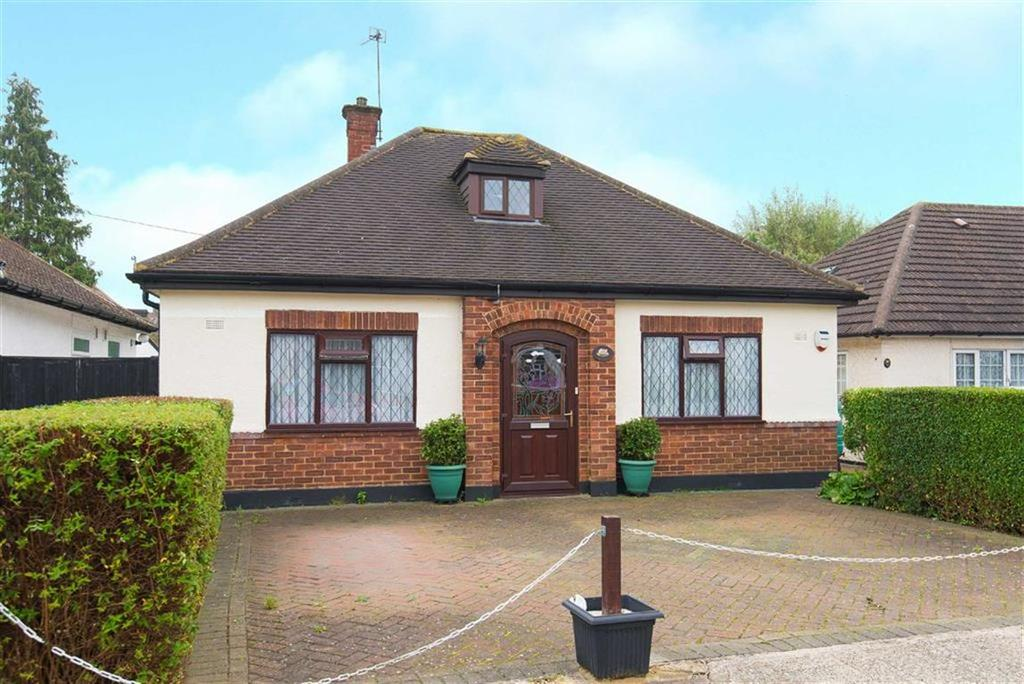 3 Bedrooms Detached Bungalow for sale in The Vale, South Ruislip