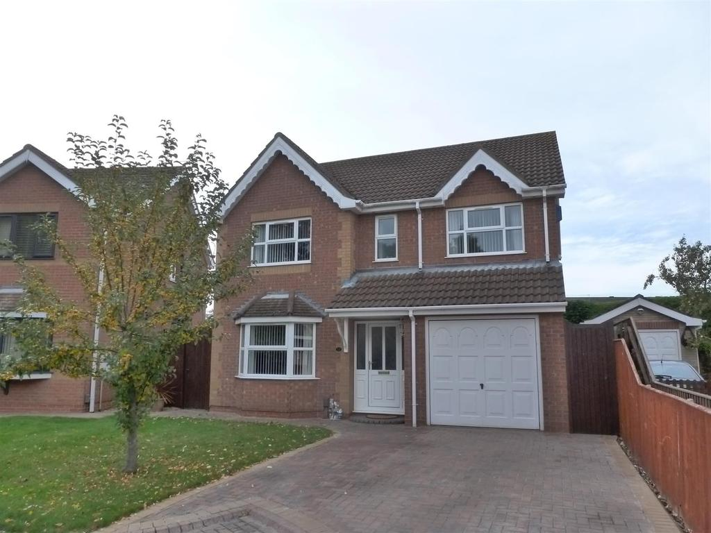 4 Bedrooms Detached House for sale in Cranbourne Close, Cleethorpes