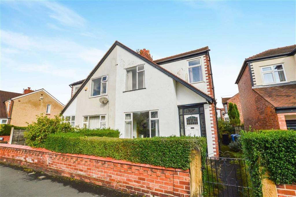3 Bedrooms Semi Detached House for sale in Gladstone Road, Altrincham, Cheshire, WA14