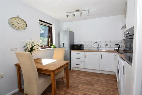 2 bedroom apartment for sale - Springfield Court, Yeadon, Leeds