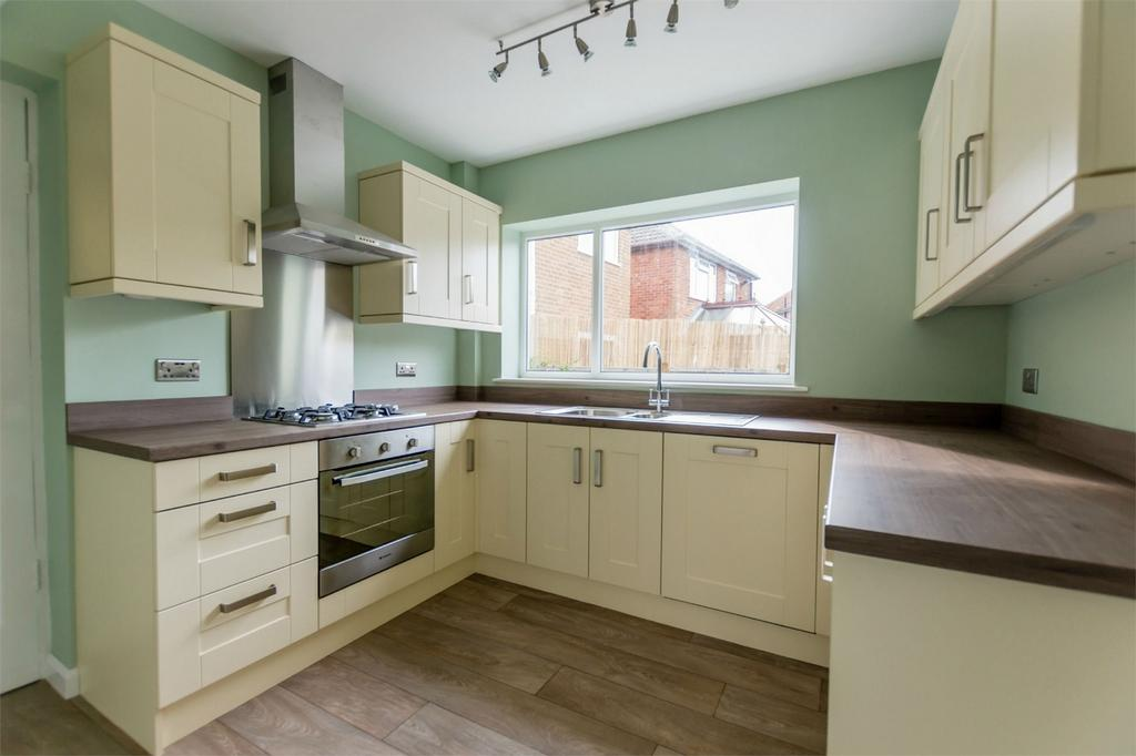 3 Bedrooms Detached House for sale in Dringthorpe Road, YORK