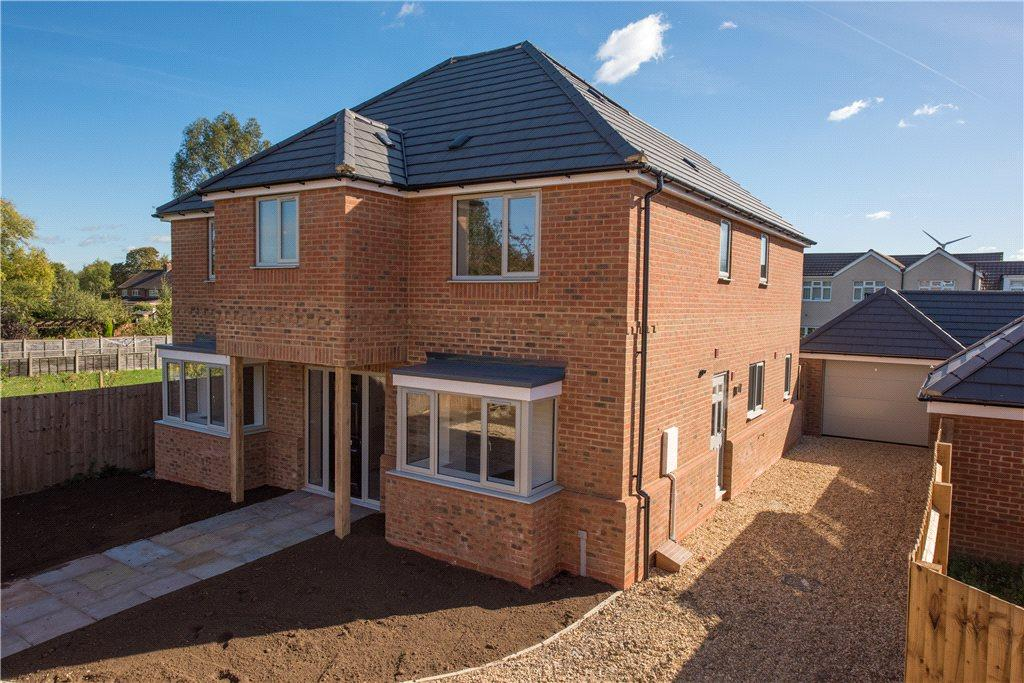4 Bedrooms Detached House for sale in Morteyne Meadows, Marston Moretaine, Bedfordshire