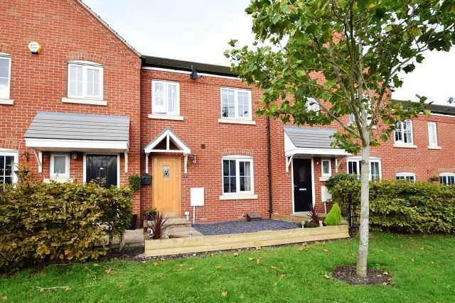 3 Bedrooms Terraced House for sale in Lakeside Boulevard,Churchbridge,Cannock