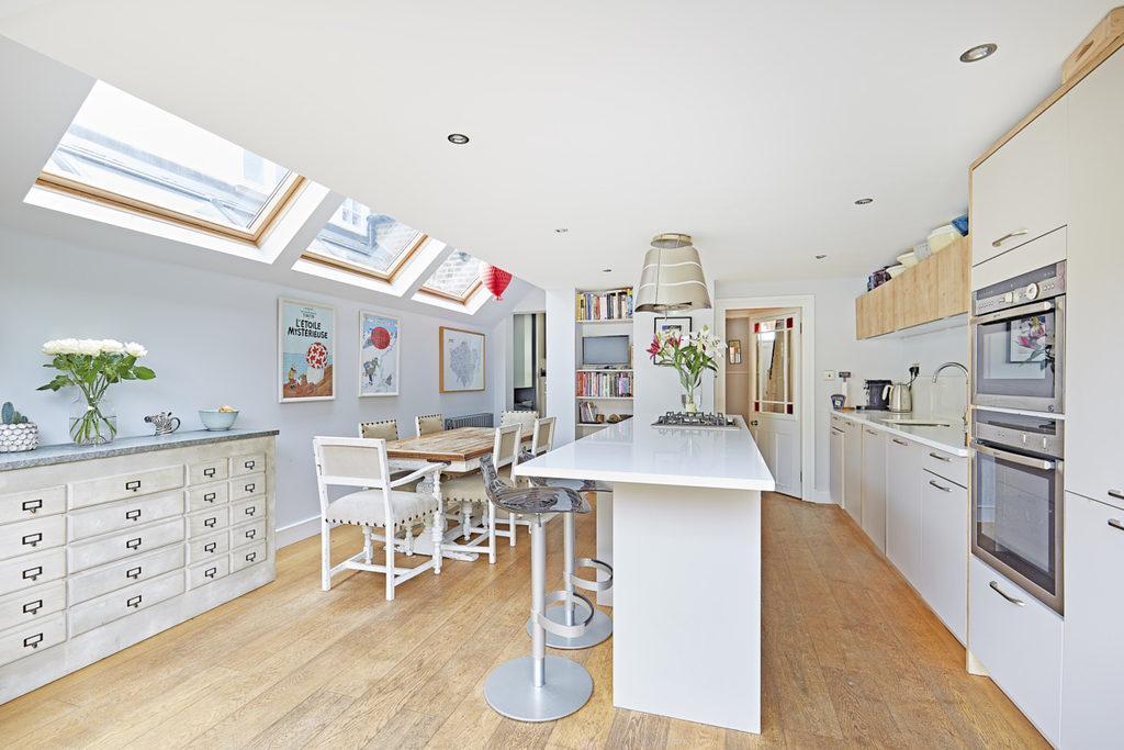 4 Bedrooms Terraced House for sale in Hadyn Park Road, Shepherds Bush, London, W12
