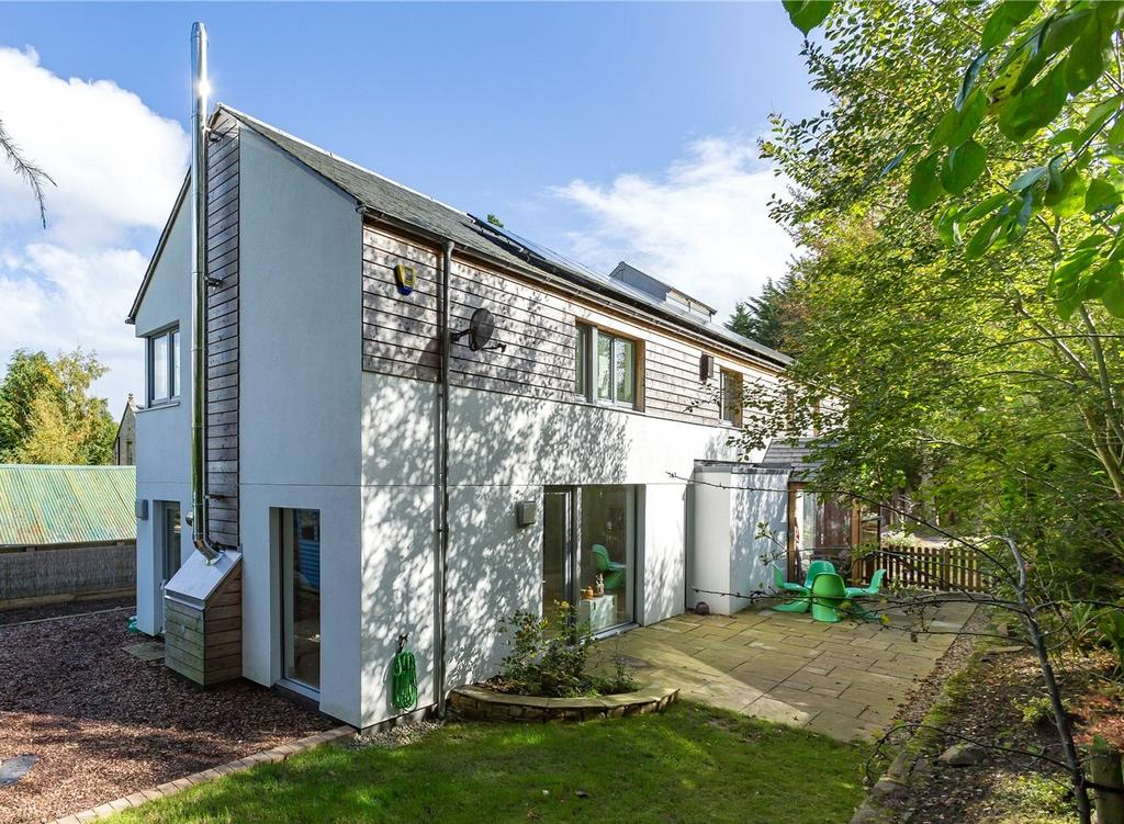 4 Bedrooms Detached House for sale in Paddock House, Hayward Drive, Galashiels, Scottish Borders