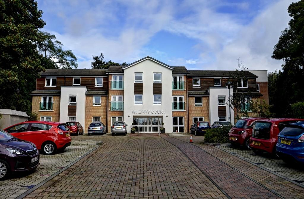 2 Bedrooms Apartment Flat for sale in Thorpe St Andrew, Norwich