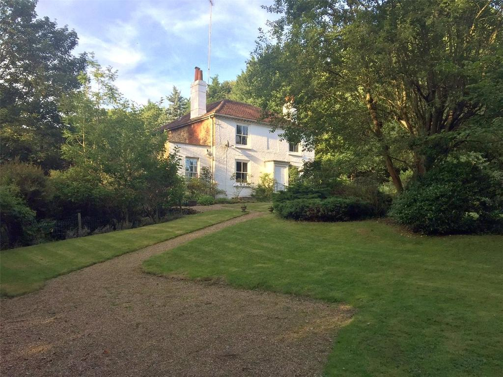 4 Bedrooms Detached House for sale in Frensham Lane, Headley, Hampshire, GU35