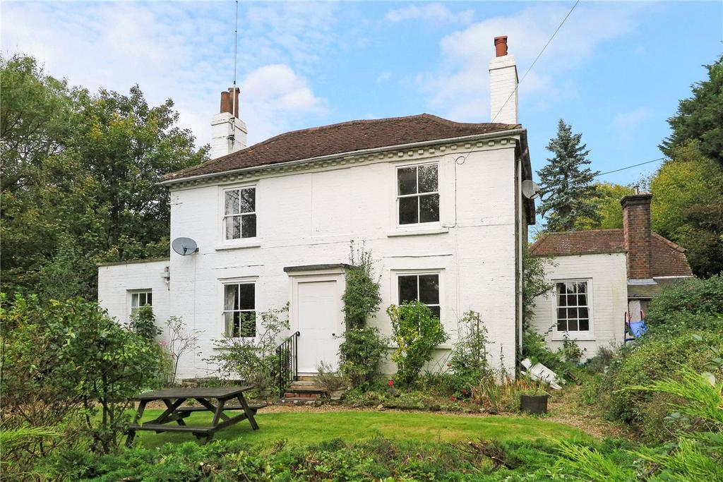 4 Bedrooms Detached House for sale in Frensham Lane, Headley, Hampshire, GU35