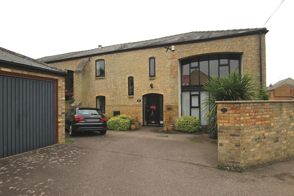 4 Bedrooms Barn Conversion Character Property for sale in High Street, Stretham