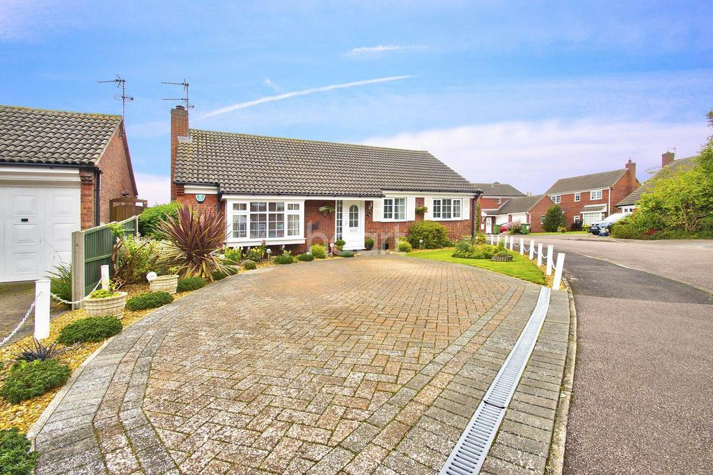 3 Bedrooms Bungalow for sale in Bramley Drive, Offord D'arcy