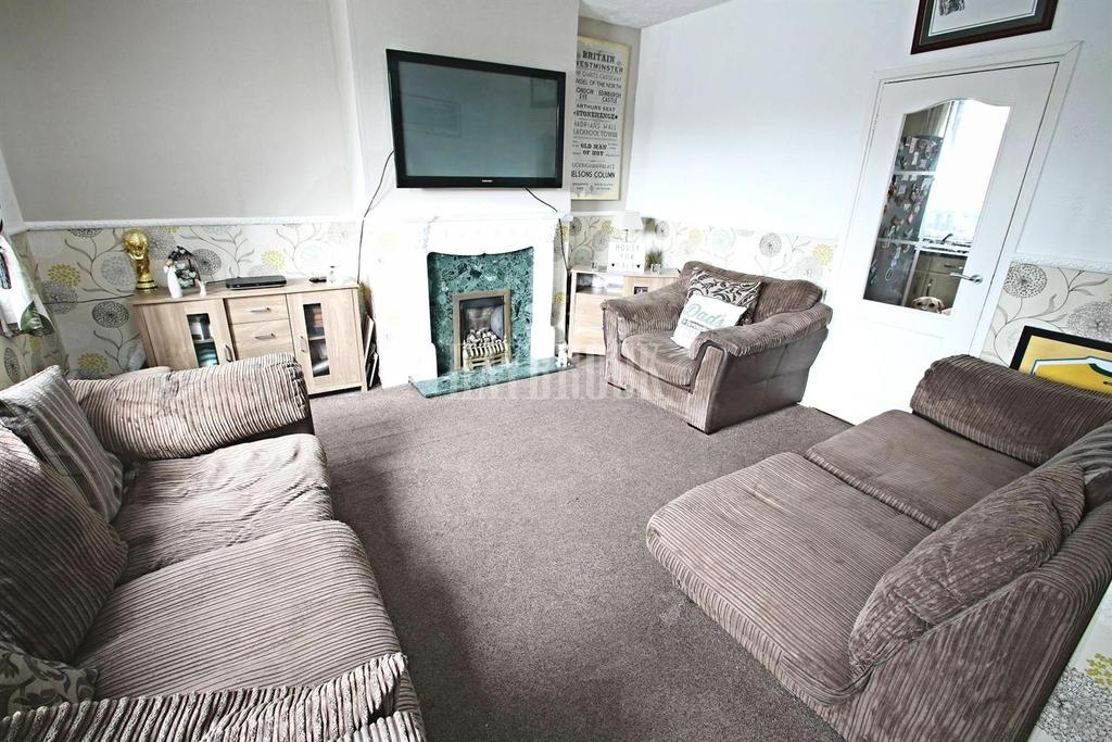 3 Bedrooms Semi Detached House for sale in East Bank Road, Arbourthorne, S2