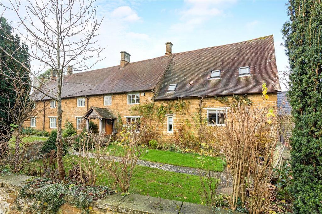 3 Bedrooms Semi Detached House for sale in Main Street, Tysoe, Warwick