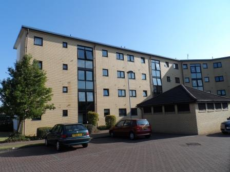 2 Bedrooms Flat for rent in Mavisbank Gardens, Kinning Park, Glasgow