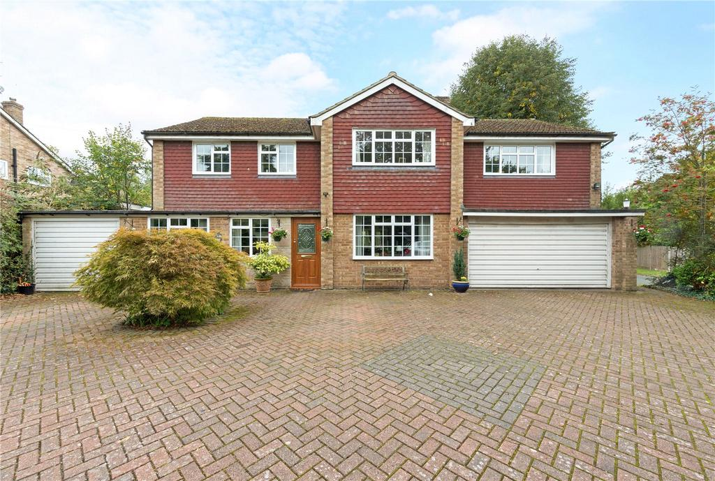5 Bedrooms Detached House for sale in The Spinney, Beaconsfield, Buckinghamshire, HP9