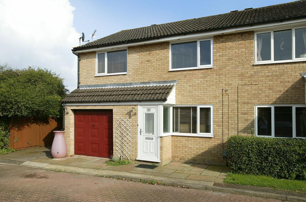 3 Bedrooms Semi Detached House for sale in Wakehurst Close, Eaton