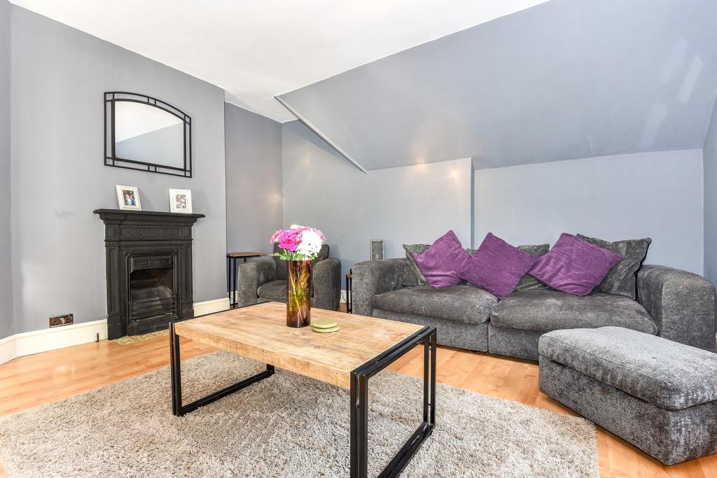 2 Bedrooms Apartment Flat for sale in Sittingbourne Road, Maidstone