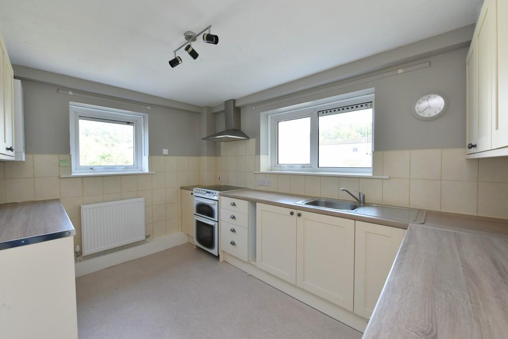 4 Bedrooms Flat for sale in Flordon, Skelmersdale