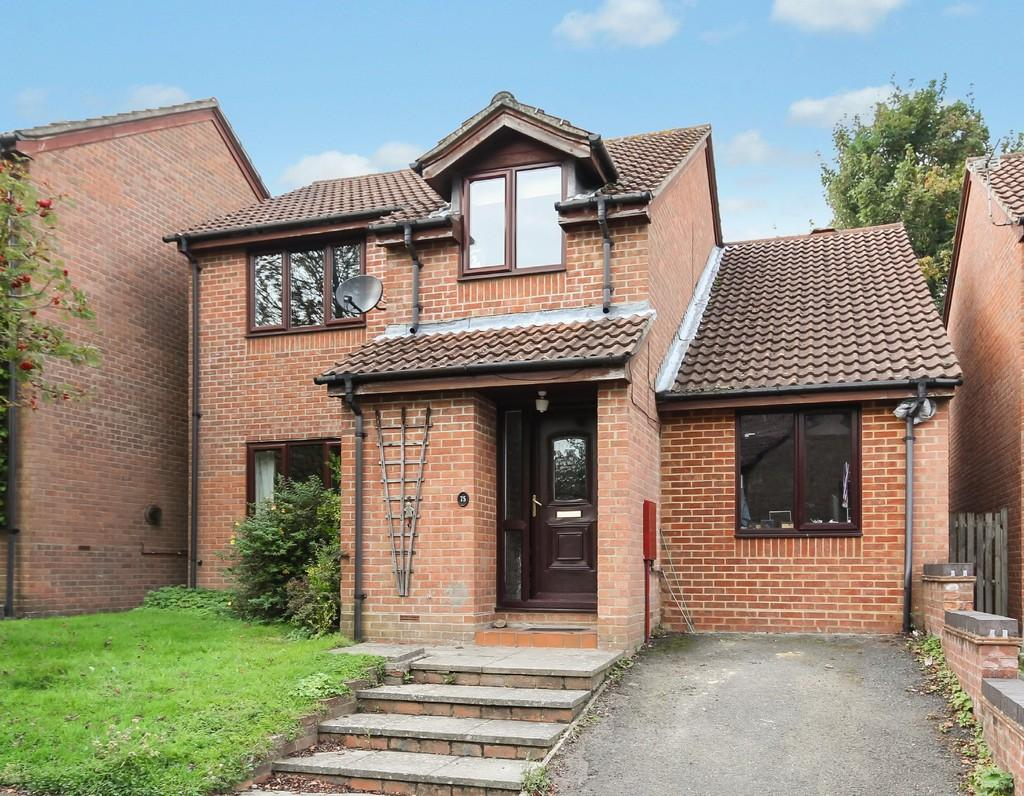 4 Bedrooms Detached House for sale in Bridger Way, Crowborough